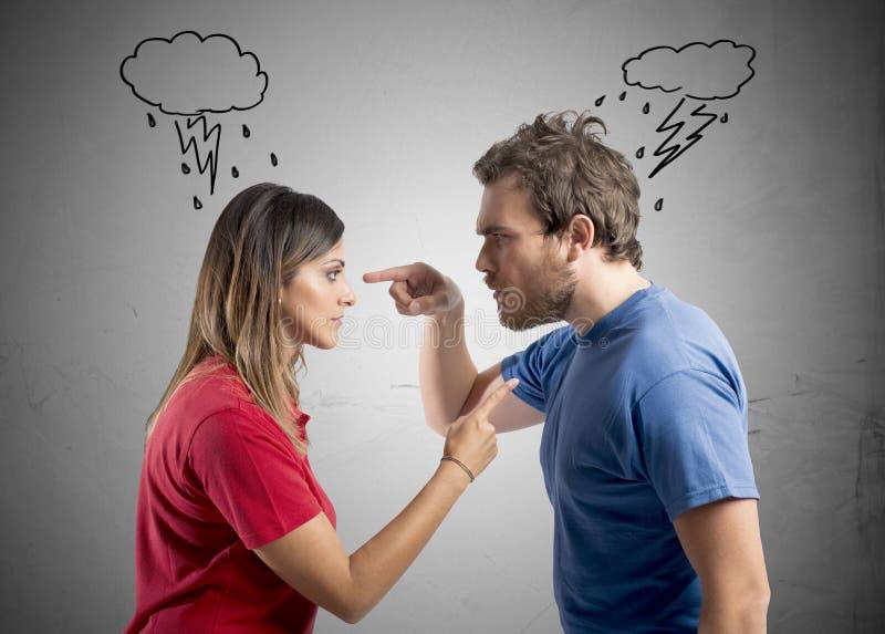Discusión entre el marido y la esposa imagen de archivo libre de regalías