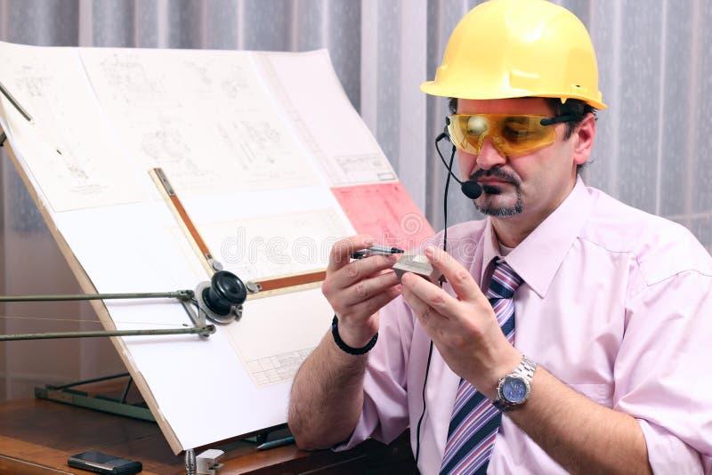 Discussão do telefone - escritório fotografia de stock