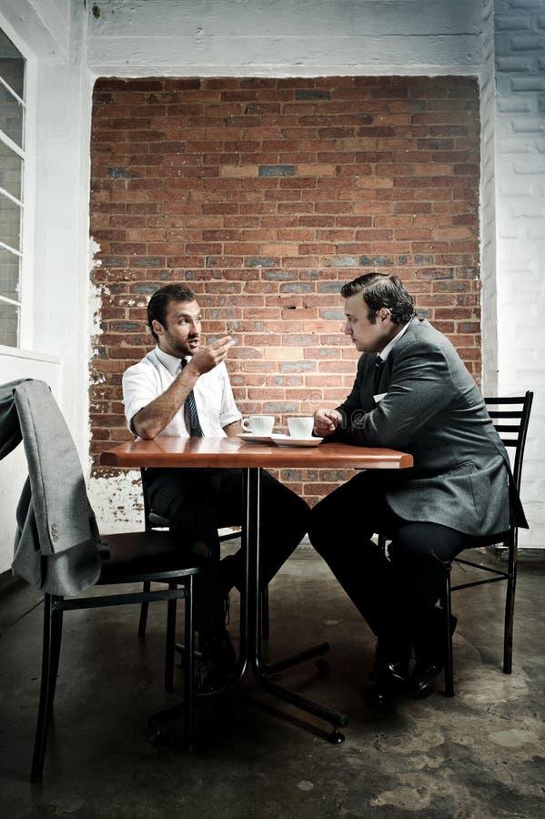 Discussion de datte de café photos stock