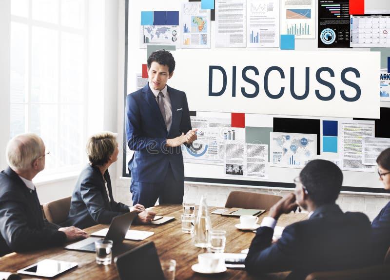 Discuta il concetto di conversazione di dibattito di negoziato della discussione fotografia stock libera da diritti