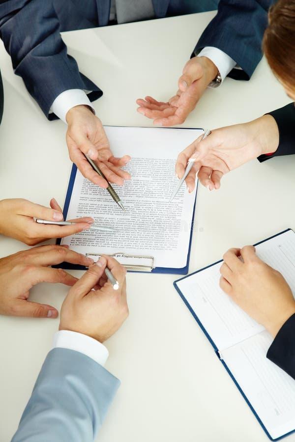 Discuter le papier photos libres de droits