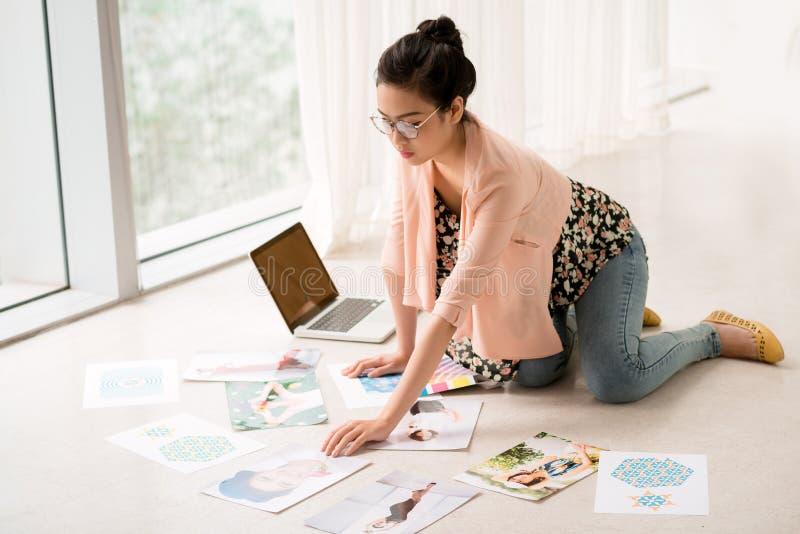 Diseñador ocupado imagen de archivo libre de regalías