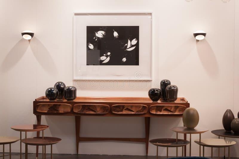 Diseñe los muebles en Miart 2014 en Milán, Italia imagen de archivo libre de regalías