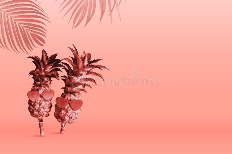 Diseño de concepto tropical del verano de gafas de sol que llevan de la piña en el color de Pantone del coral de vida del año 201 stock de ilustración