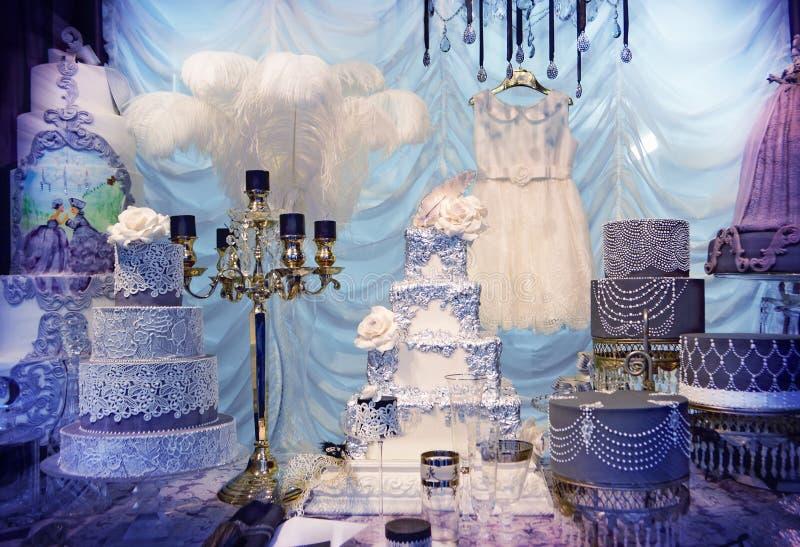 Diseño de lujo de la torta fotografía de archivo libre de regalías
