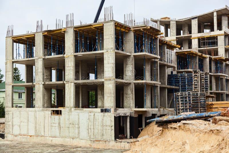 Diseño de refuerzo del marco del refuerzo para la casa de marco concreta, casa del ladrillo, encofrado para concreting, emplazami foto de archivo