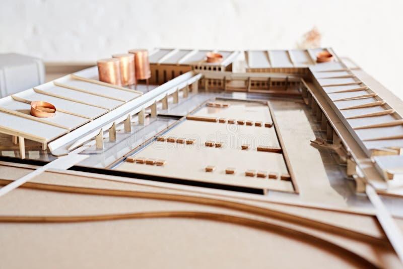 Diseño de un nuevo edificio para escalar fotos de archivo