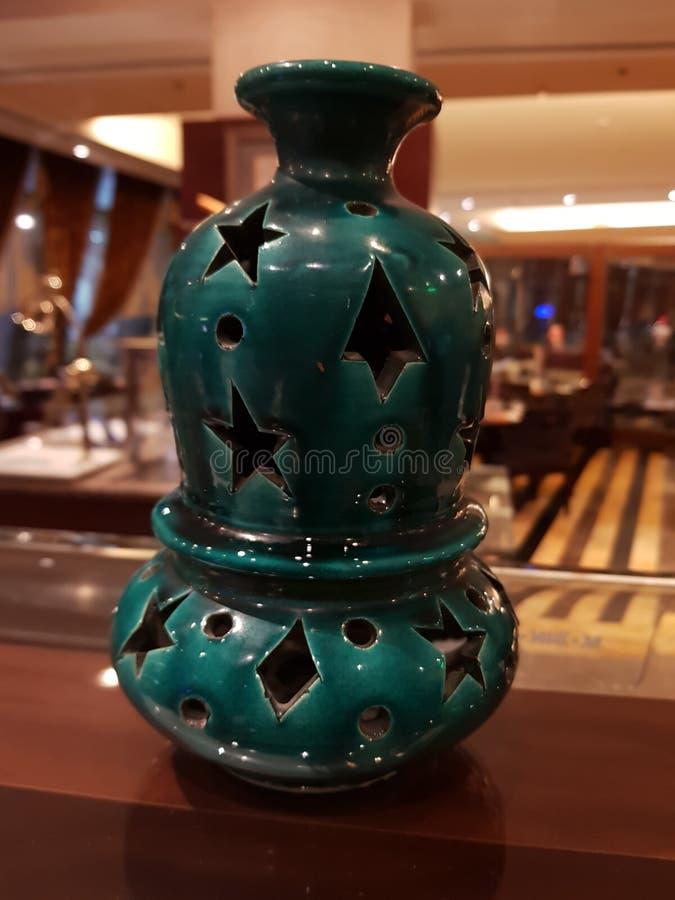 Diseño del pote de arcilla para el Ramadán foto de archivo
