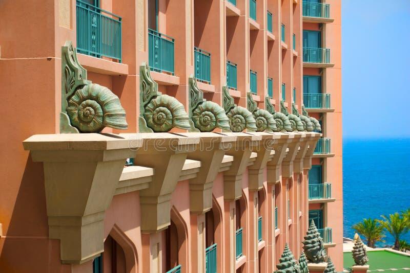 Diseño exterior náutico del hotel fotos de archivo