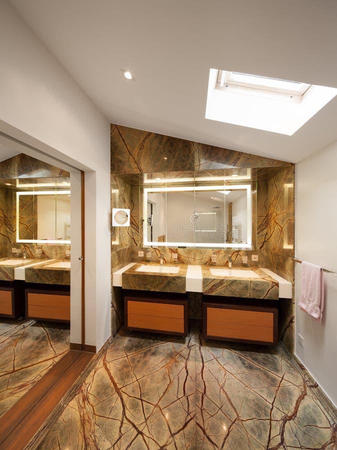 Diseño Interior, Cuarto De Baño De Lujo Imagen de archivo - Imagen ...
