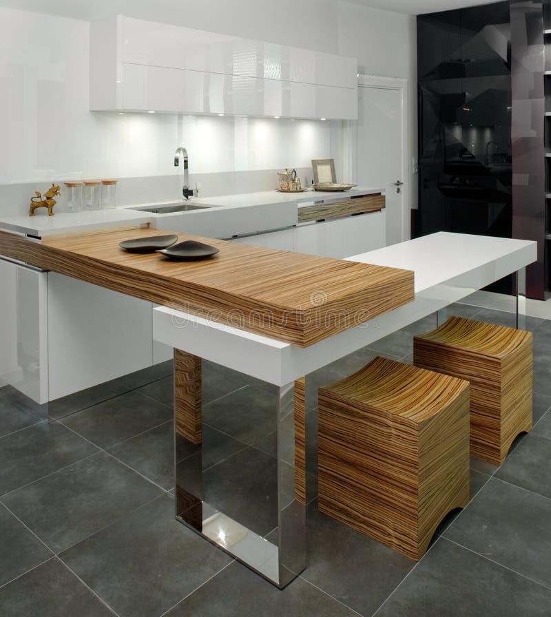 Diseño Interior De La Cocina. Elegante Y De Lujo. Foto de archivo ...
