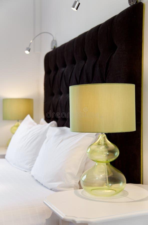 Diseño lujoso de la cama imagen de archivo libre de regalías