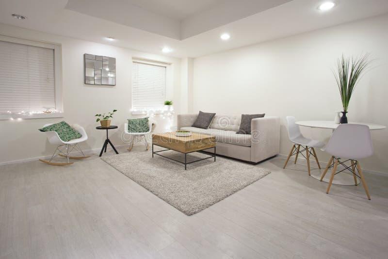 Diseño moderno de la sala de estar imagen de archivo
