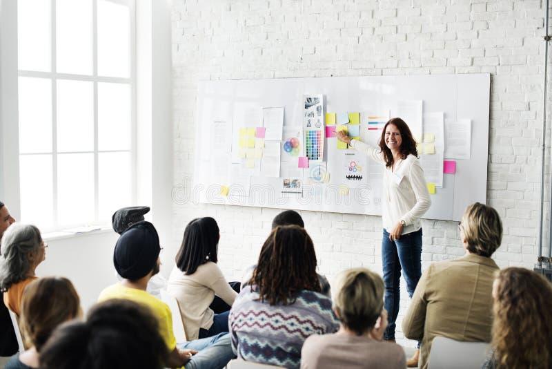 Diseño Team Meeting Presentation Creative Concept fotografía de archivo