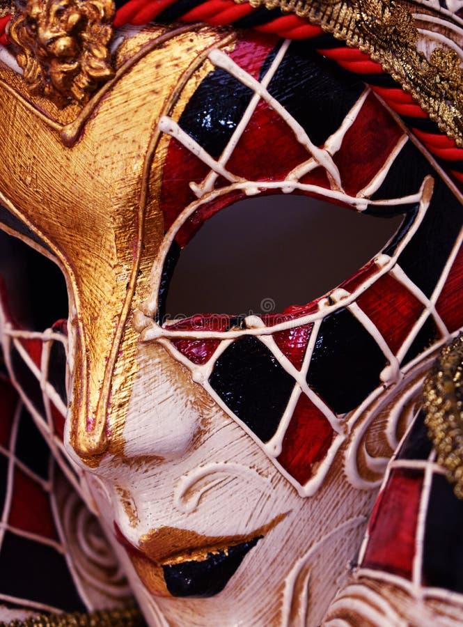 Diseño veneciano del arlequín de la máscara de la mascarada en cartón piedra fotos de archivo libres de regalías