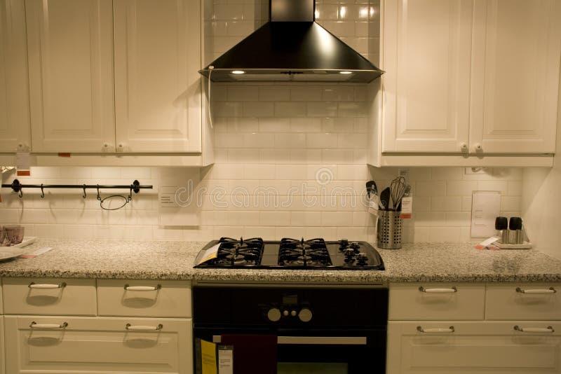 Diseños de interiores caseros de lujo de la cocina imagen de archivo libre de regalías