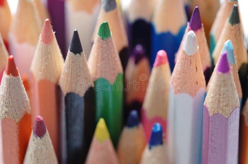 Disegnano a matita i colori differenti fotografia stock libera da diritti