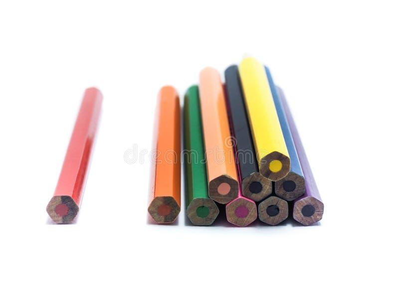 Disegnano a matita tutto il colore sui precedenti bianchi immagini stock libere da diritti