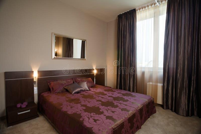 Disegno interno della camera da letto elegante e di lusso. fotografie stock