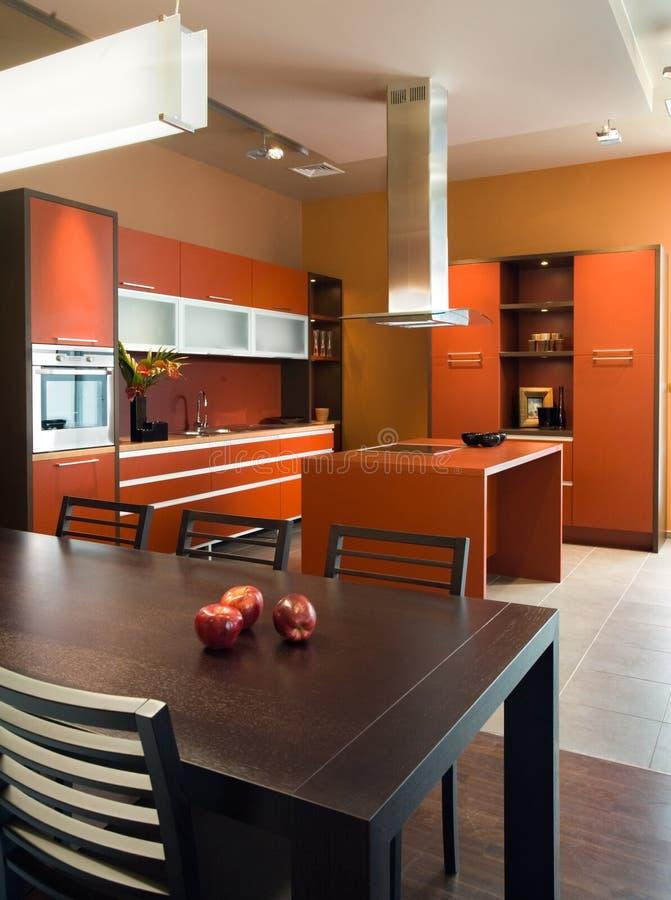 Disegno interno della cucina elegante e di lusso. fotografia stock libera da diritti