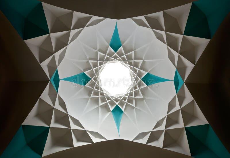 Disegno islamico a forma di stella del soffitto fotografie stock