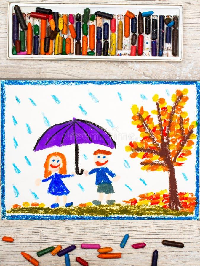Disegno: Pioggia di autunno, ombrello sorridente della tenuta delle coppie immagini stock libere da diritti