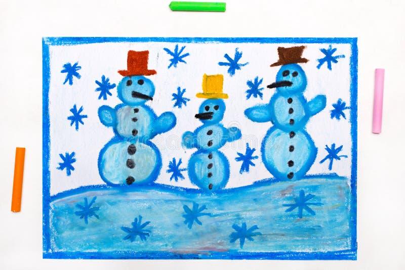 Disegno: snowmans e fiocchi di neve felici dell'albero royalty illustrazione gratis