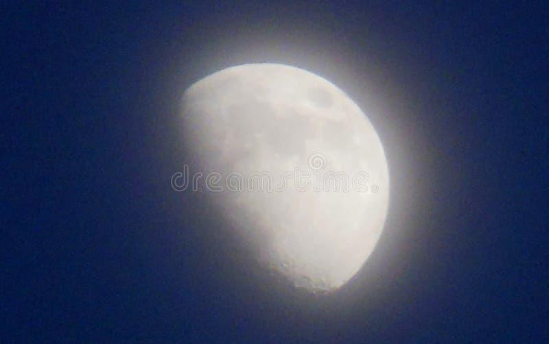 Disigt månsken royaltyfri bild