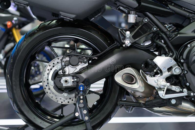 Diskettbroms av motorcykels bakre hjul royaltyfri fotografi