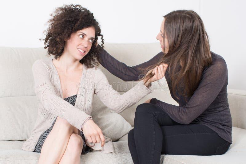 Diskussion unter Frauen lizenzfreie stockfotografie