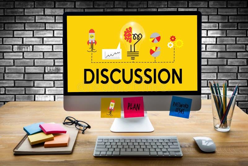 DISKUSSION zum Treffen von den großen Entscheidungen, die s gestikulieren und besprechen stockfotos