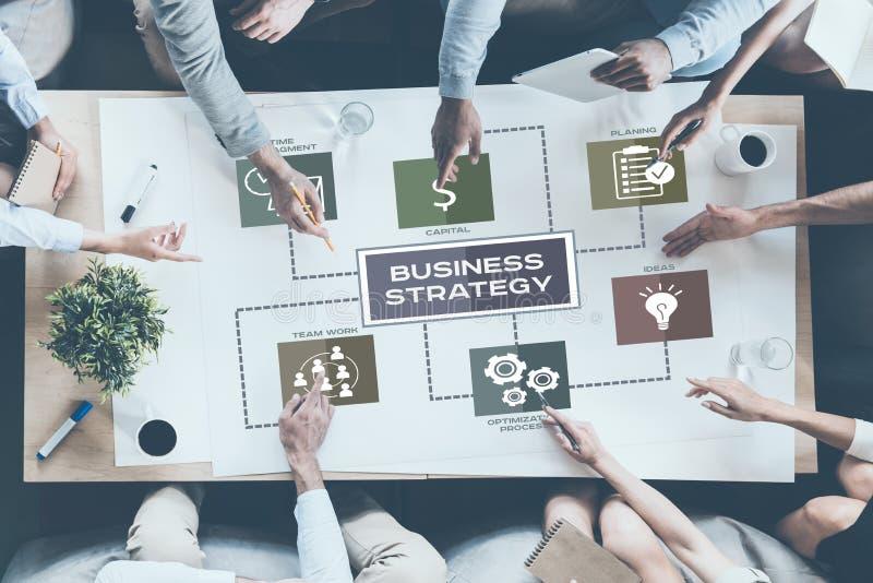 Diskutera företagsstrategi royaltyfria foton