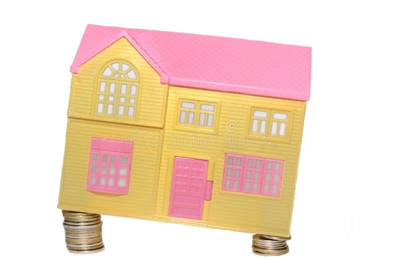 Disminución en los precios para las casas de campo el concepto fotografía de archivo