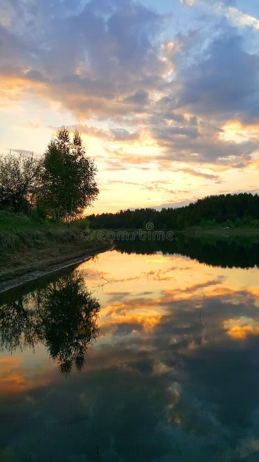 Disminución sobre el lago fotografía de archivo