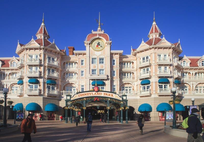 Disney aterra, Paris Entrada principal ao parque fotos de stock