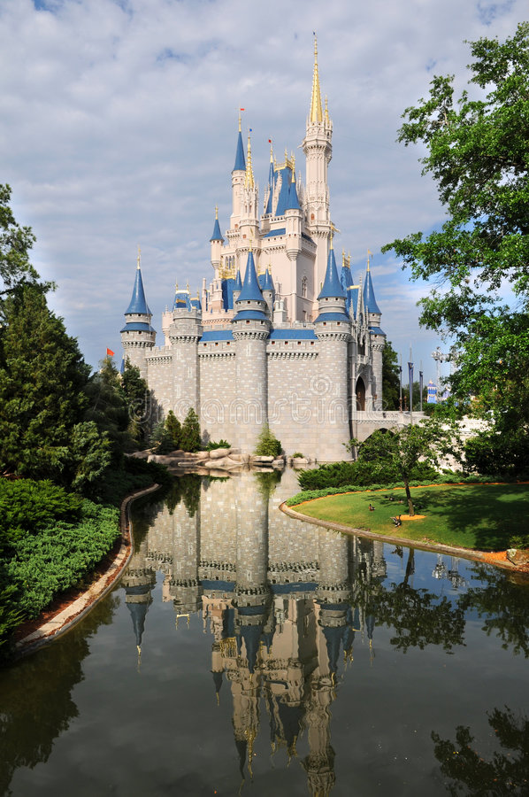 Download Disney Castle in Orlando editorial stock photo. Image of water - 7404653