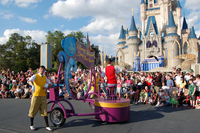 Download Disney Parade In Front Of Cinderella Castle Editorial Image - Image: 20590895