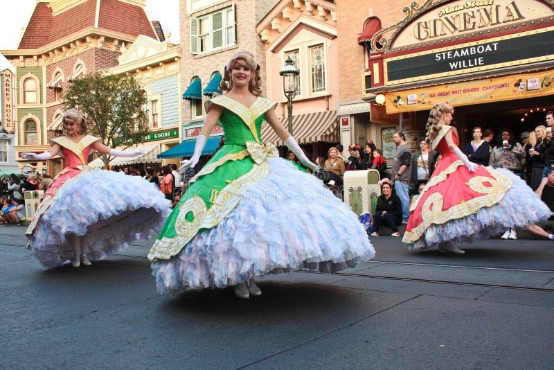 Disney-Prinzessinnen in der Parade lizenzfreie stockfotos