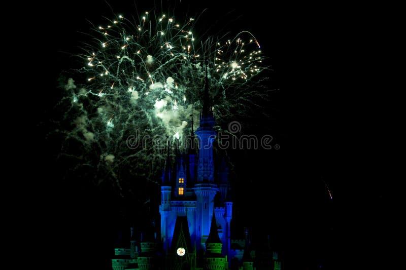 Disney-Schloss-Feuerwerke stockfotografie