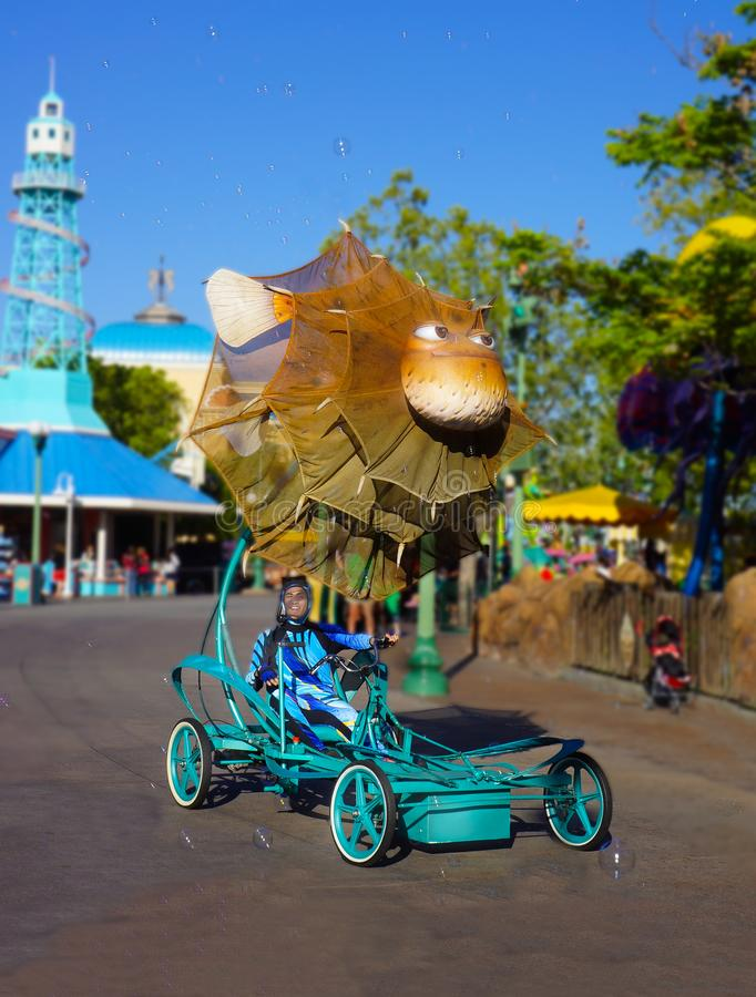 Disney som finner Elmo Character Bloat pufferfishna royaltyfria bilder