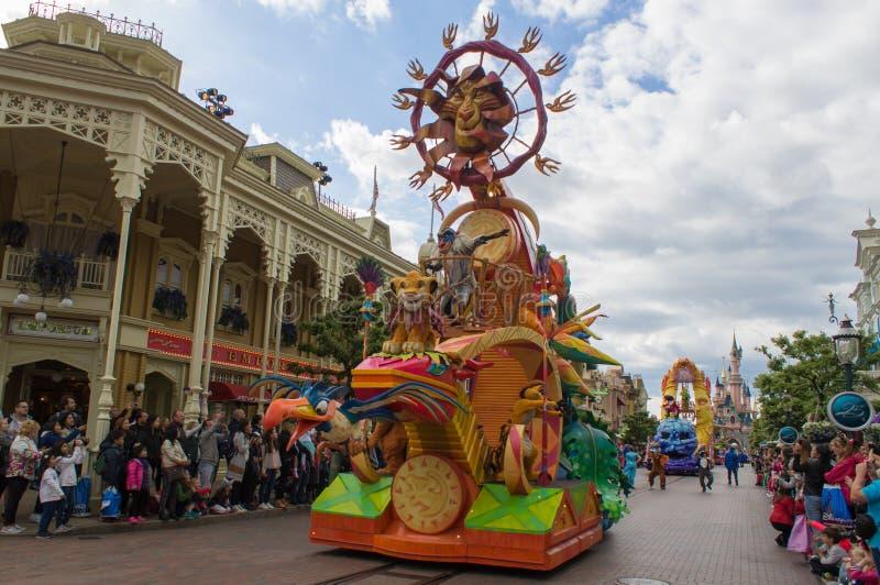 Disney-Sterren op Parade stock afbeeldingen