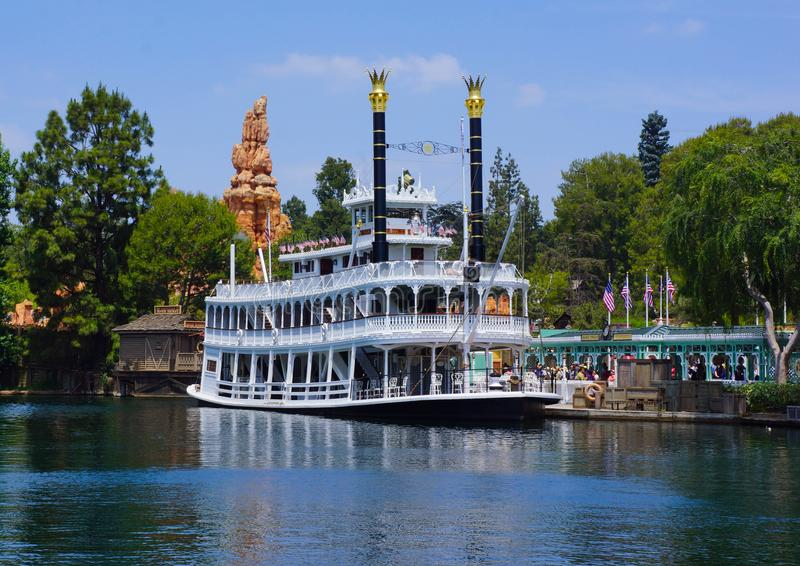 Disneyland Mark Twain Steamboat image libre de droits