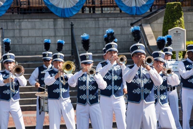 Disneyland marschmusikband arkivfoto