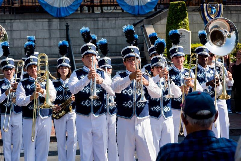 Disneyland marschmusikband royaltyfria bilder