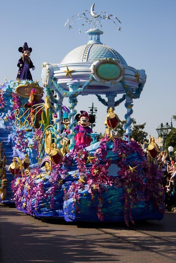 Disneyland Parijs karakters, Minnie en Mickey Mouse op parade royalty-vrije stock foto's