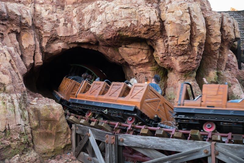 Disneyland Resort nöjesfält i Anaheim, Kalifornien arkivbilder