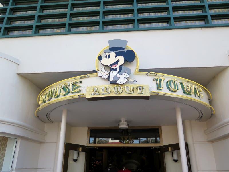 Disneys Mickey Mouse em estúdios de hollywood fotografia de stock royalty free