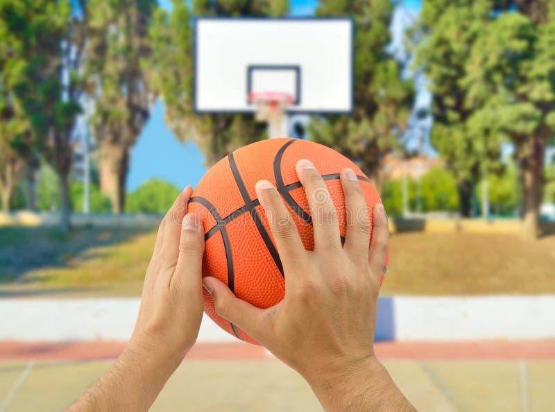 Disparado de um jogador de basquetebol fotografia de stock