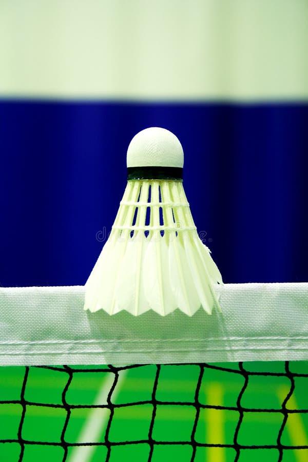 Disparado do shuttlecock do badminton foto de stock