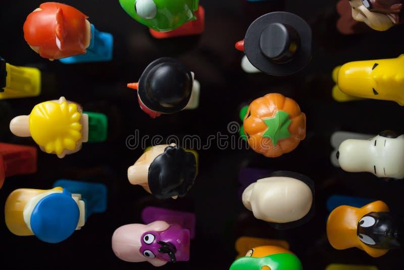 Dispensadores coloridos de Pez fotos de archivo libres de regalías
